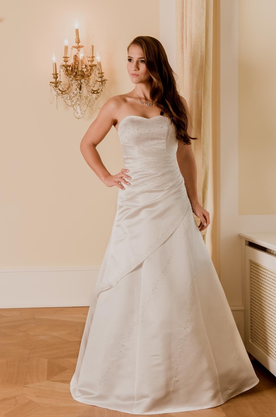 Hochzeitskleid Cora 100 - Typ: Brautkleid Cora 100 Luzern